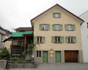 Immobilienverkauf: Haus zu verkaufen in Thusis