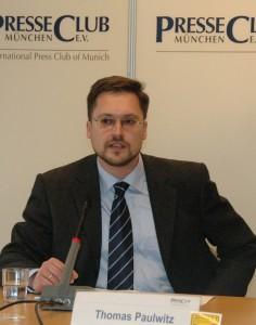 Thomas Paulwitz, Chefredaktor der größten Sprachzeitung, am Forum Deutsche Sprache (Foto: Johann Schwepfinger)