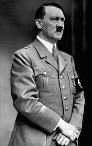 Sollte doch wohl kein Vorbild für die Sprachpolitik in Graubünden werden: Adolf Hitler