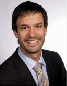 Thomas Hobi, verantwortlicher Leiter des Mediendienstes der Kapo Graubünden und das Rhätoromanische: Wie Feuer und Wasser
