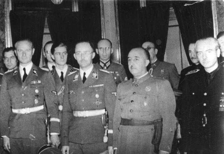 Erst nach seinem Tod hörte die Sprachrepression auf: Der große Sprachausradierer Franco (hier bei einem Freundschaftsbesuch des deutschen Reichsführer SS, Heinrich Himmler)