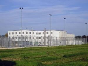 """Die Gefangenen - pardon """"Insaßen"""" sollen sich im Ausschaffungsgefängnis Basel - pardon - im Bäßlergut - möglichst wohlfühlen"""